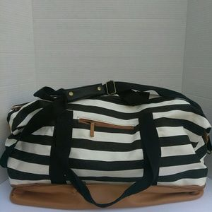 DSW Large Tote Bag Two zippers Black Stripes